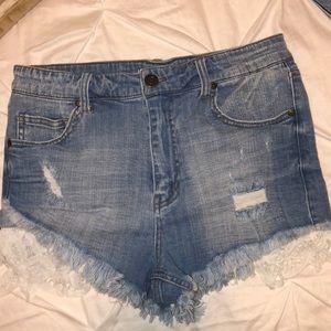 High wasted denim shorts size medium (6)